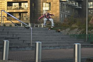 Hewitt , 8 stair ollie by eddiethink