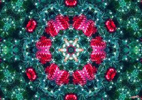 Kaleidoscope of a Christmas Tree by CChrieon