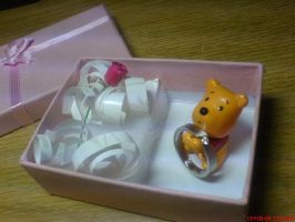 Mini Pooh ring and rose holder by 2twoproductions