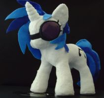 Vinyl Scratch plush by sunstice