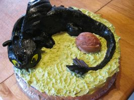toothless cake finished by toastles