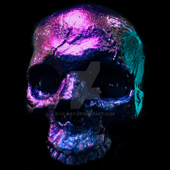 Iridescent Skull by lilibat