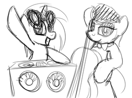 Quick Sketch: Vinyl Scratch and Octavia by drawponies