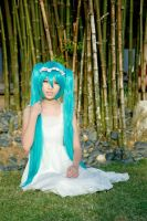 Cosfest XII - Hatsune Miku (white dress) by macross-n