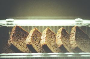 Dry bread by takaiyo