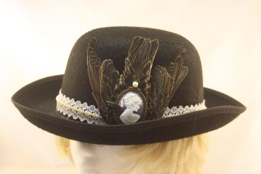 Starling hat by One-Eyed-Kitty