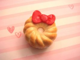 Honey Cruller with Bow by tiramisuxfluff