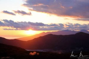 Sunset at Hakone by kaitou-ace