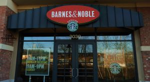 Barnes and Nobles Entrance by Pi-ray