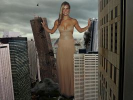 Bar Refaeli knows how to make a dramatic entrance by Maidenpool