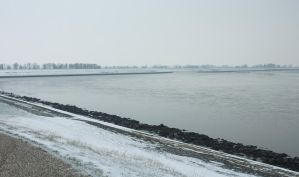 Winter View on the Dike by Danimatie