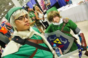 Supercon 2012 - Too Mainstream by SAYA-LOURA