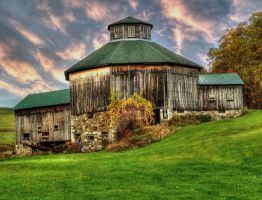 Route 28 Octagon Barn by theresa-fiacchi