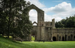 Fountains Abbey by rrreese