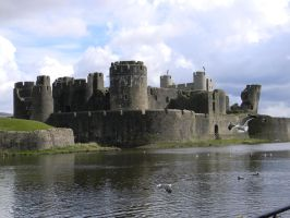 Castle Caerphilly by Indeadhellaven
