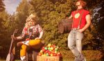 Apple Family Shooting 3 by Glasmond