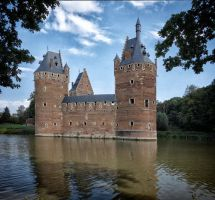 Beersel Castle by rhipster