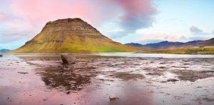 Kirkjufell Sunset Panorama by cwaddell
