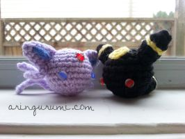 mini espeon/umbreon by valeriarin