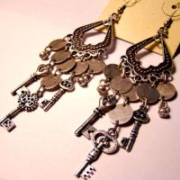 Tiny Keys Steampunk Earrings by SteamSociety