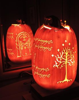 LOTR Pumpkin 2016! by Lireal11