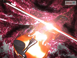 The Majestic Destressed Violin by Ark-of-Menphis