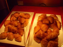 Croissant Bread by Gexon