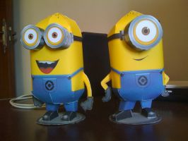 Despicable Me Minions papercraft by RoronoaZoro666