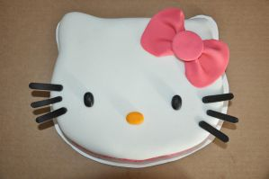 Hello Kitty Cake by luzglez85