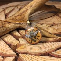 Honeybee necklace by kahahuna