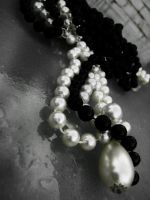 Black and White Pearls by izzybizy