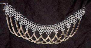 Drapes anklet by chainmaille