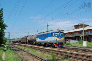 600 840 'Rolling Stock' with freight in Gyor by morpheus880223