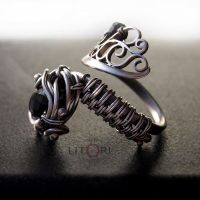 DRAGON DARK - silver ring with spinel by litori