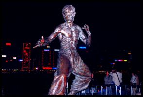 The Statue of Bruce Lee by hahli9