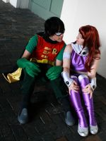 Robin and Starfire by bow-bat