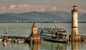 Hafeneinfahrt Lindau - Bodense by pingallery