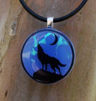 Howling Wolf Fused Glass by FusedElegance