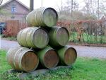 wine barrels by schaduwvacht