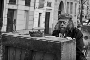 Paris - A street piano player by Seb-Photos