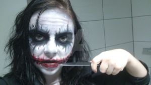 female_Joker_makeup_with_a_knife by Luthien0Nenharma