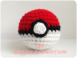 Pokeball by xxtiffiee