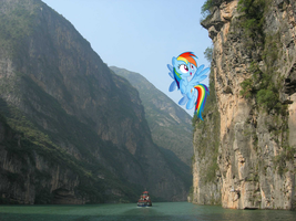 Rainbow Dash flying at the Yangtze River by laopokia