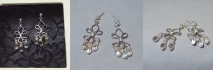 Silver Fleur de Lis Earrings by ACrowsCollection