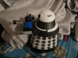 mother and baby dalek by chappy-rukia