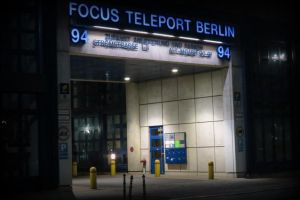 Berliner. Teleport there. by DemonSD