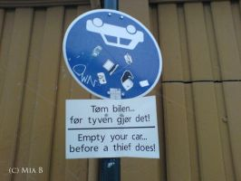 Sign in Trondheim by miamiaa