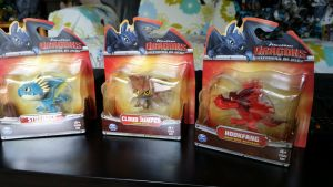 Spinmaster Stormfly, Cloudchaser, hookfang figures by Vesperwolfy87