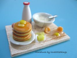 Miniature pancakes prep board by ilovelittlethings