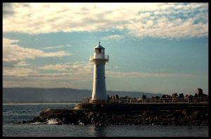 Wollongong Harbour Lighthouse by MaNtRa9